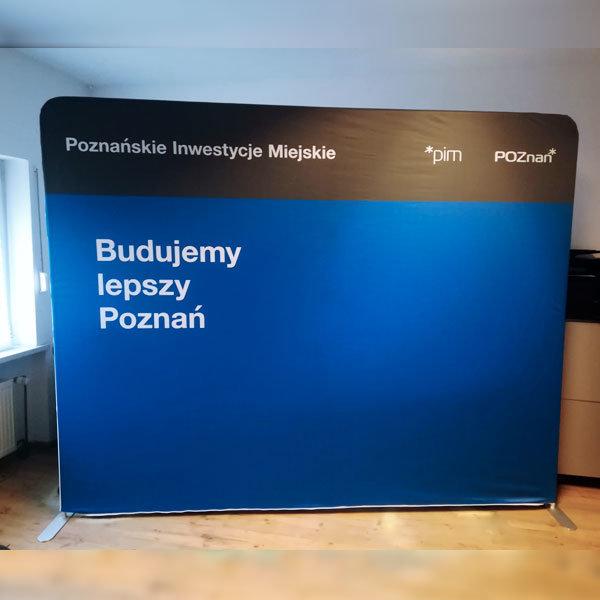 Ścianka reklamowa tekstylna prosta-realizacja-maisto-poznan