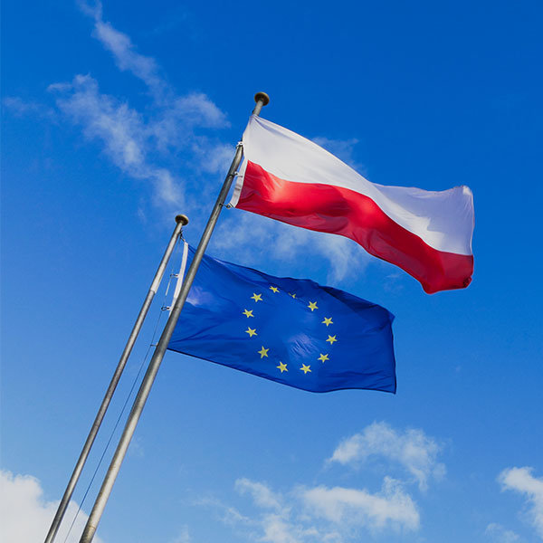 flagi-reklamowe-realizacje-flaga-na-maszt-flaga-polski-flaga-eu